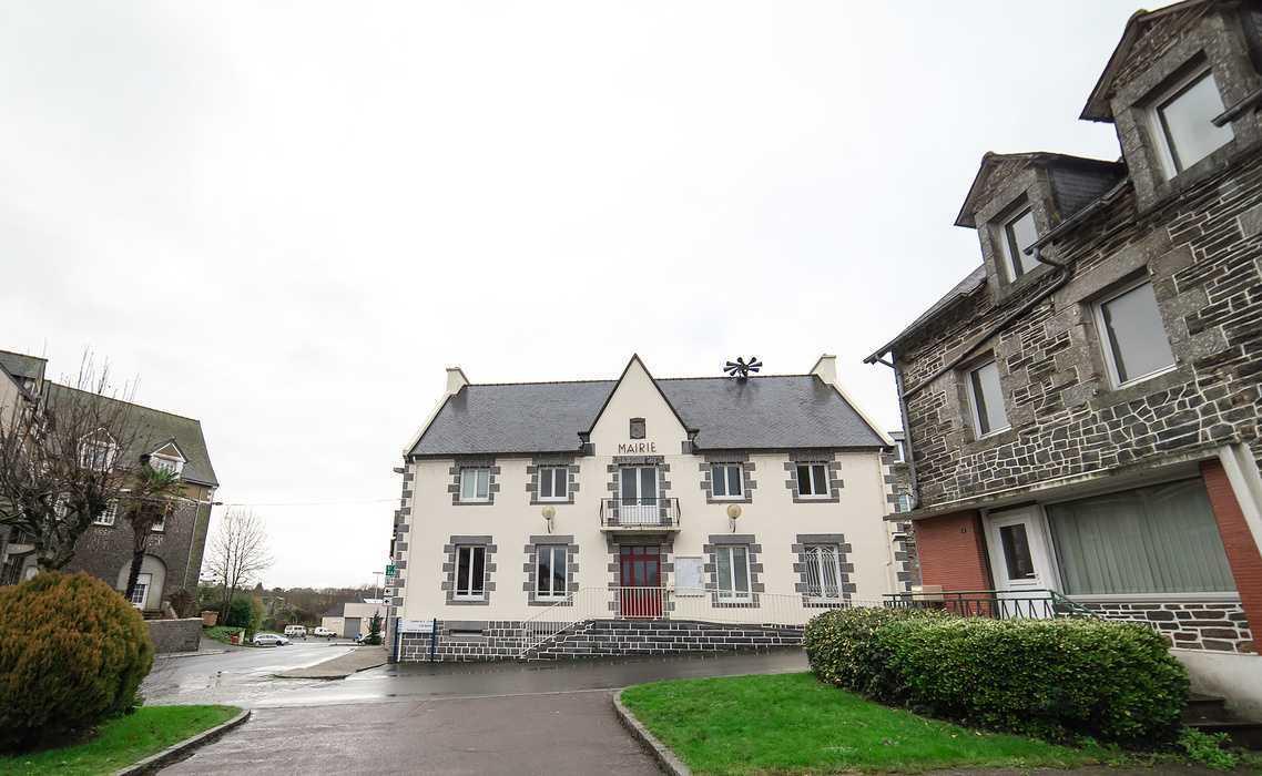 Vendredi24 Avril : Repas crêpes le midi «Chapelle Sainte-Anne» - Corlay 0